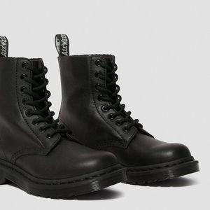 LIKE NEW Size 6 Doc Martens